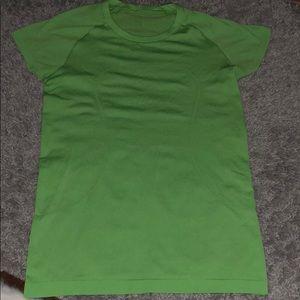 Lululemon running t-shirt green size 8